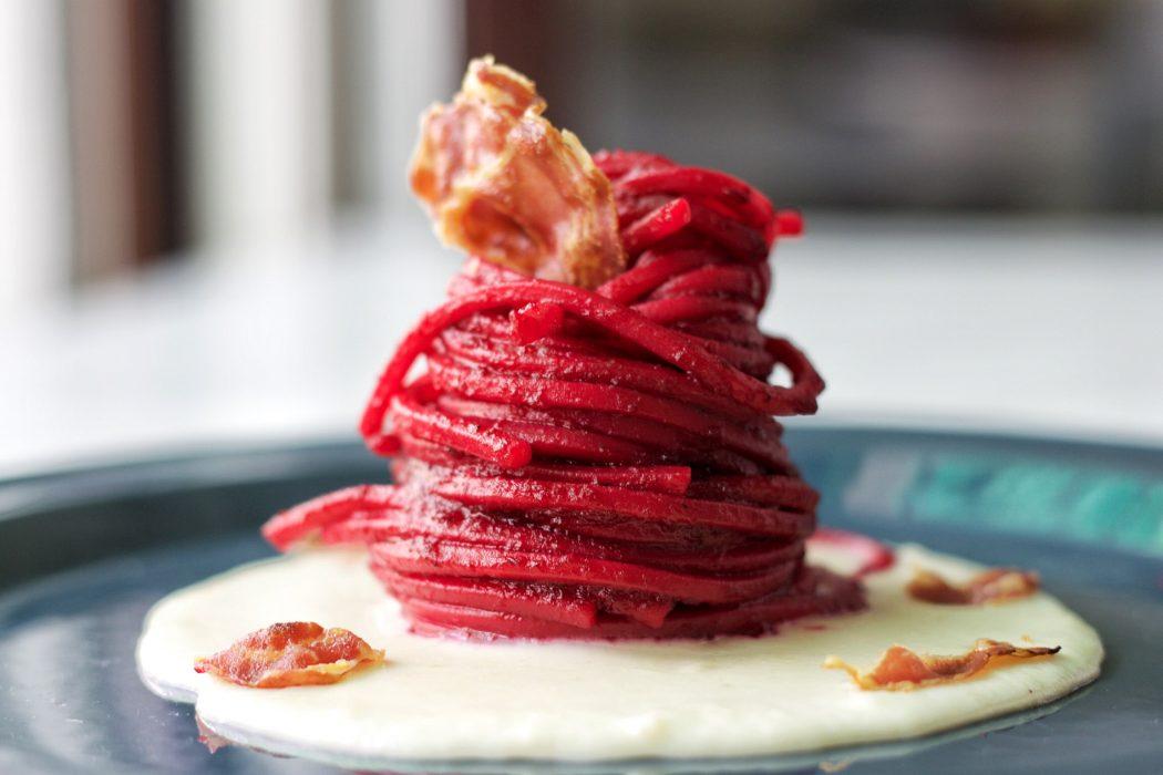 spaghetti alla barbabietola
