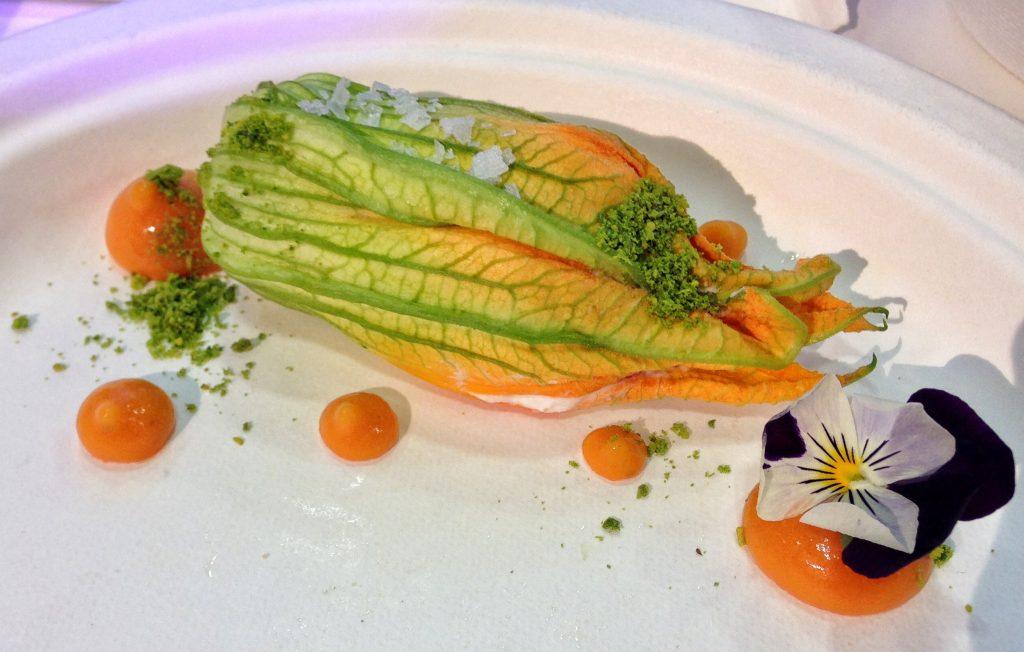 Felice Lo Basso - Felix lo Basso Restaurant Fior di zucca farcito con ricotta di bufala e verdurine, patè al pomodoro