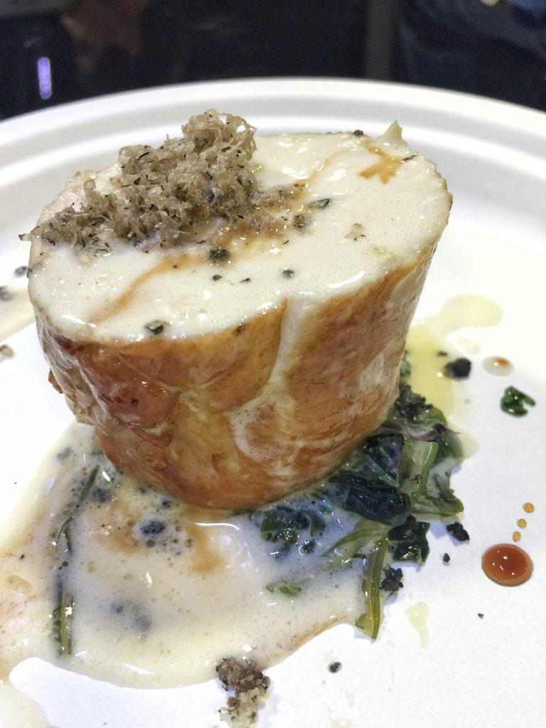Petto di pollo ruspante, alghe di mare, champagne e tartufo nero