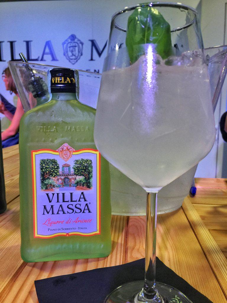 Gin Tonic & Villa Massa